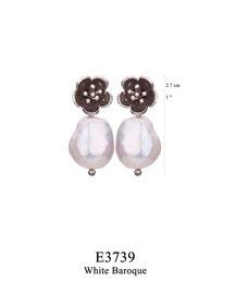 E3739: OXI 69, G OF E OXI POST EARRING FILIGREE FLOWER WHITE BAROQUE DROP.