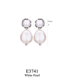 E3741: OXI 69, G OF E OXI POST EARRING WHITE PEARL IN CUP. WHITE PEARL DROP.
