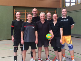 Volleyball Männergruppe beim Turnier in Bodnegg