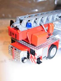 Sprungretter-Wagen an ADL montiert