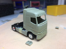 Renault T gross / Basis, Transkit-Fahrerhaus und Herpa Fahrgestell