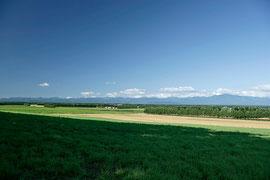 8月 十勝平野と日高山脈