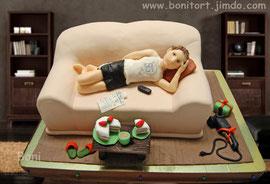 Мужчинка на диване