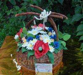 Корзина с полевыми цветами. Спасибо за идею корзины Герде с Самовара. Вес торта 4,4 кг.