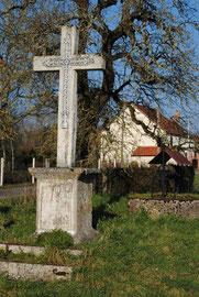 Ancienne croix en béton