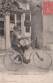 Tambour de ville en tricycle