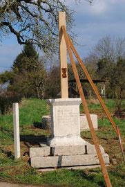 Nouvelle croix de chêne en construction(mars 2014)
