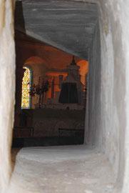 Ouverture curieuse donnant sur l'autel