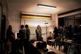 A gauche le mini studio sous la surveillance de Virginie, à droite l atelier de Pierre à la façon Mac Gyver !