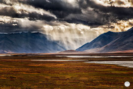 "Bild: Atigun Pass, Galbraith, Alaska, ""doomsday mood""; www.2u-pictureworld.de"