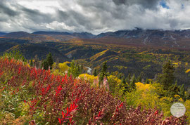 "Bild: along the Haines Highway, Kluane NP, Yukon, Canada,""valley of colours (Kluane NP)""; www.2u-pictureworld.de"