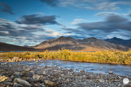 "Bild: Brooks Range at Galbraith, Dalton Highway, Alaska, ""lightened dust""; www.2u-pictureworld.de"