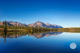 "Bild: lake at Denali Hwy, Alaska, ""blue mirror""; www.2u-picturworld.de"