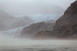 "Bild: Mendenhall glacier, Juneau, Alaska, ""rainy, foggy glacier""; www.2u-pictureworld.de"