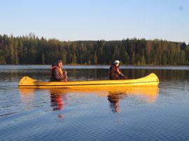 Paddeln mit dem Kanu - Sommerurlaub in Lappland