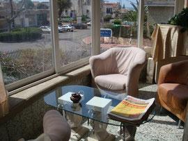 balcon arrondi avec baies vitrées