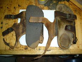 踵の減り、砕けたコルク、中敷き表面の革の交換