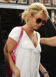 Britney Spears arriving at the Manderin Hotel. London UK