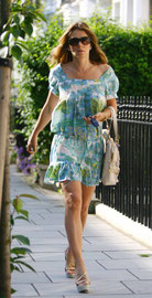 Liz Hurley leaving home. Fulham, London UK