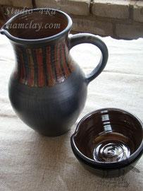 15-09.  Глиняный кувшин с чашкой ручной работы