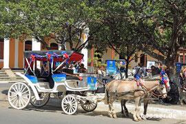 Pferdefuhrwerke findet man in der ganzen Stadt