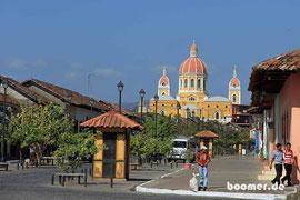 die Kathedrale beherrscht das Stadtbild
