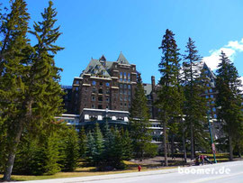 "das banff springs hotel CANADA   ""4 wheels move the body, 2 wheels move the soul"""