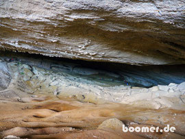 ein Blick in die 200 m lange Höhle