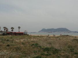 Playa de Getares mit Gibraltar im Hintergrund