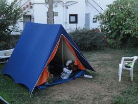 Pobeña - Im Zelt hinter der Herberge