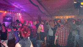 anschließend legt DJ Marc auf .... die Party geht weiter