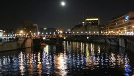 Lichtergrenze 9.November 2014. Brücke über der Spree Berlin Mitte. Foto: Helga Karl 2014