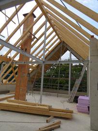 Dachgeschoss und Arbeiten am Dachstuhl