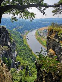 Blick von der Bastei nach Rathen
