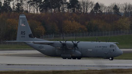 04-3142 USAF United States Air Force Lockheed C-130J-30Hercules