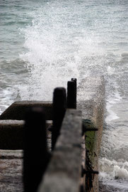 Spray on the concrete groyne