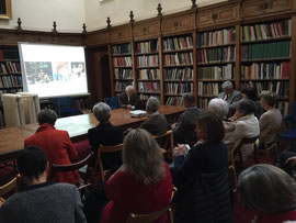 Silvano Serventi à bibliothèque du Musée Déchelette