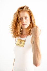 "Heike Wanner - Halsschmuck ""Drecksloch"" aus der Serie ""My Lines"" - Foto: Andrea Zehetner"