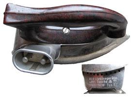 Bügeleisen, VEB Elektrogeräte Taucha - Länge 17 cm, Breite 7 cm, Höhe 9 cm