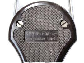Krawattenbügler, Produktion: VEB Starkstrom-Anlagenbau Berlin1958.01.29 - Länge 49 cm - Breite 10.8 cm, Höhe 2.5 cm