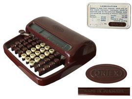 Rechenmaschine Contex A, produziert von den Brüdern Carlsen in Dänemark ab 1946-1950, verkauft von Zeuthen & Aagaard - Breite 22.5cm, Höhe 6.8 cm, Tiefe 21.8 cm, Gewicht 1.4 kg