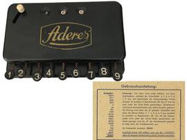 Aderes Tasten-Kolonnenaddierer, produziert von 1949 – 1955, Standardwerk Eugen Reis GmbH, Bruchsal, ursprünglich ev. von Johann Zähringer - Breite 15.2 cm, Tiefe 9.8 cm, Höhe 3.0cm (ohne Hebel), Gewicht 0.415 kg