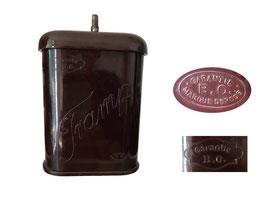 Reisekaffeemühle Tramp, Hersteller: Bratri Ouhrabkove, Lomnice, Tschechien 1930er - Höhe 14 cm, Breite 8 cm, Tiefe 4 cm