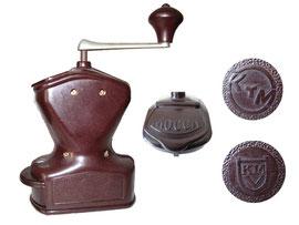 KYM Kaffee/Mokka Mühle 30er-50er Jahre, Fa. Kissing & Möllmann (KyM), Iserlohn - Breite 8 cm, Länge 15 cm, Höhe 18 cm