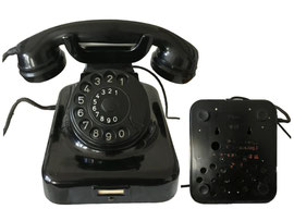 Telefon,Tisch/Wandapparat W49, Hagenuk (Hanseatische Apparatebau-Gesellschaft Neufeldt & Kuhnke), ab 1949- bis Mitte 60-er Jahre
