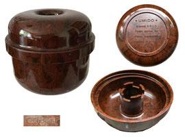"""Dose """"Umido*, Hersteller Suhner&Co., Schweiz, Zweck mir unbekannt - Durchmesser 7.5 cm, Höhe 7 cm"""