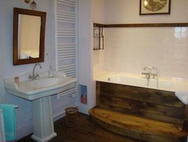 Coin baignoire Chambre Minane au Masbareau Chambre d'Hôtes de Charme  en Limousin, proximité Saint-Léonard-de-Noblat, Limoges , Haute-Vienne, Nouvelle-Aquitaine