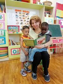 Daniel und Mohamed mögen Geschichten