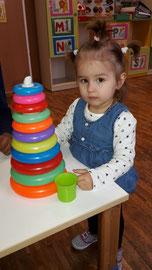 Viktoria beim Spielen