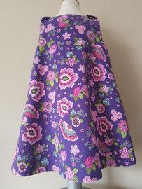 Voor: Purple flowers, so cute jurkje van fijn ribstof. Artikelcode 104-018. Prijs: 34,95 excl. verzendkosten.
